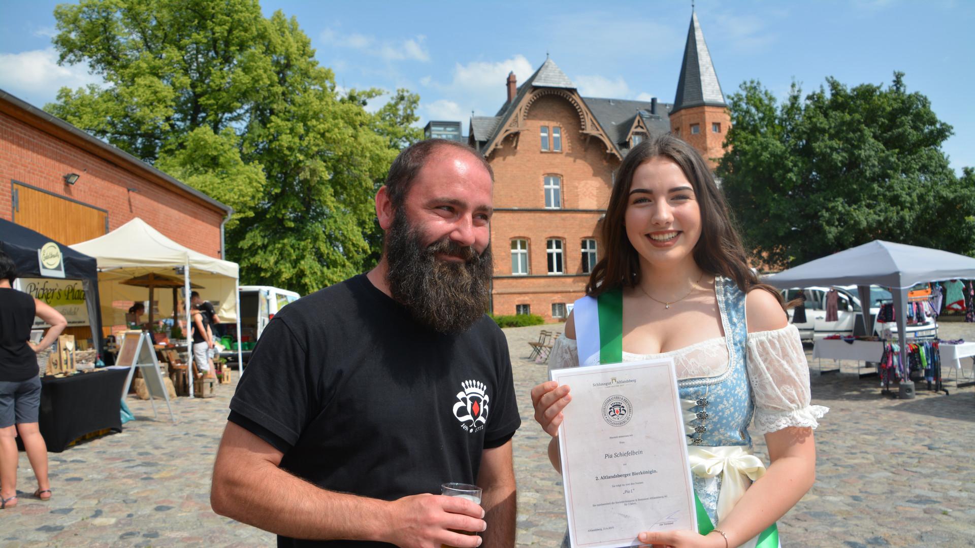 Bierkönigin und Braumeister