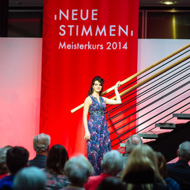 """10 ° concerto Neue Stimme"""