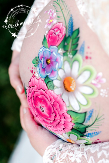 Bellypainting Blumenranke