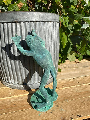 Cast Iron Leaping Frog