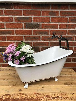 Quirky Bath Pot Planter