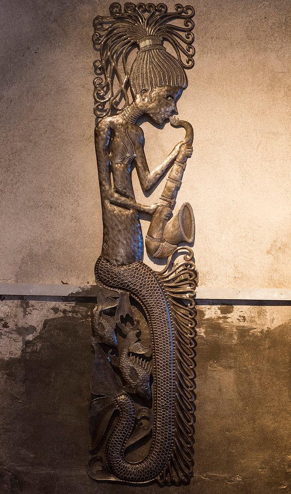 Sirenne with saxophone.jpg