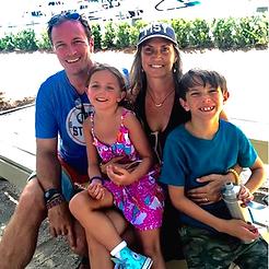 John, Amanda, et famille.png