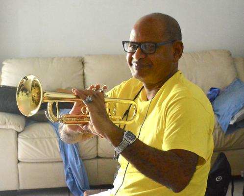 Jean-Hervé_Paul_with_trumpet_from_Eddie