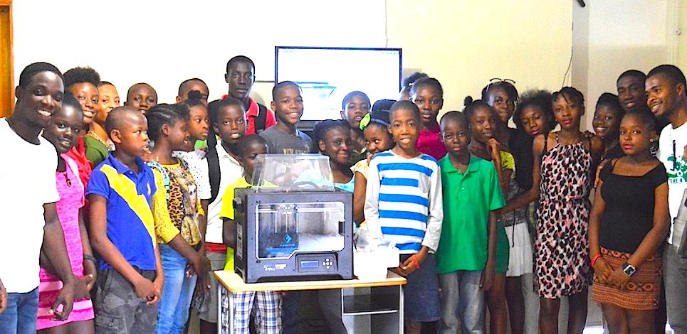 EFE students, FEPE orphans at 3D-printin