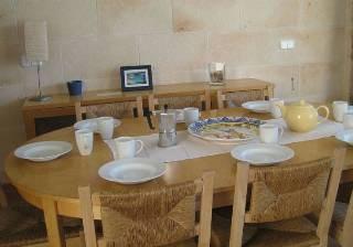dining1.jpg