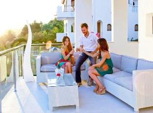 alquiler-villa-menorca-terraza.jpg