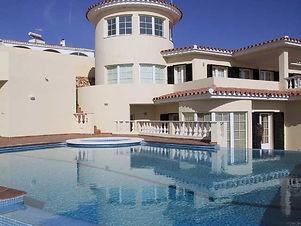 pool-and-villa.jpg