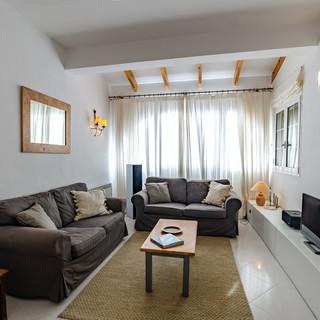 lounge windows.jpg