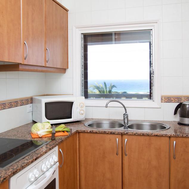apartamento-son-bou-gran-vista-cocina.jp