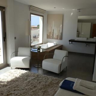 bath suite.JPG