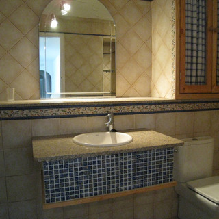 shower room 3.jpg