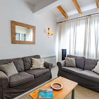 lounge sofa.jpg