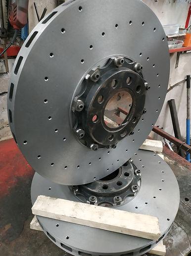 Изготовлени тормозных роторов составных торозных дисков.