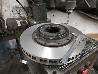 Замен роторв двусоставных тормозных дисков,