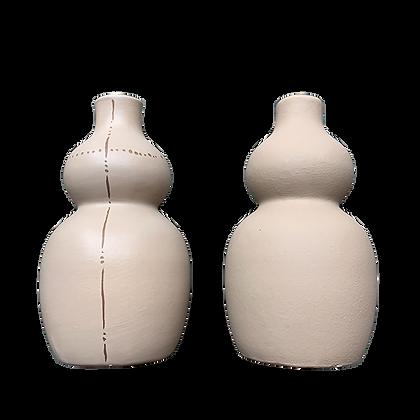 Paire de vases beige