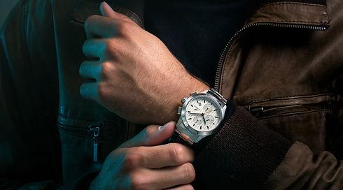 Ko%CC%88nigsberg_wrist_sharped_cut_edite