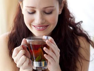 Os benefícios do chá de folhas de amora