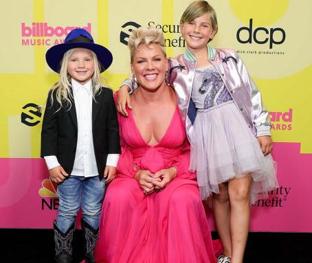 2021 Billboard Music Awards: Round-Up of the Big Winners