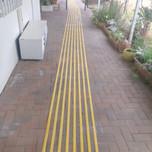 סימן מוביל  GRP צהוב מועדון הקשישים הוד השרון