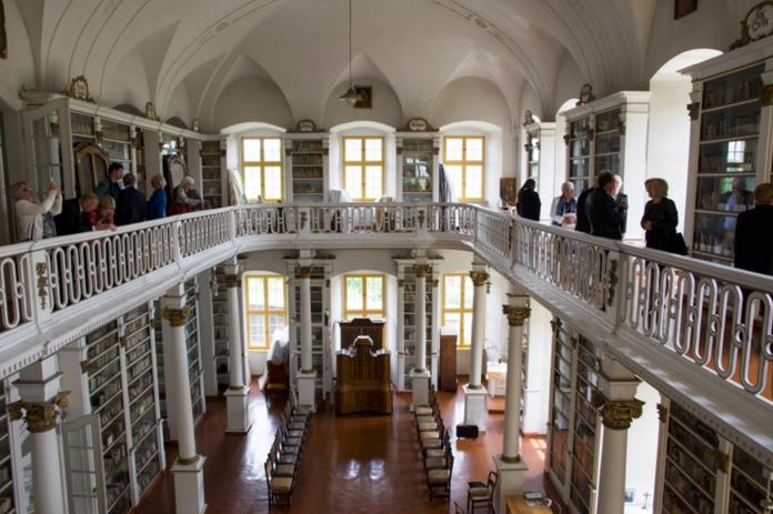 Bibliothek im Kloster Grüßau