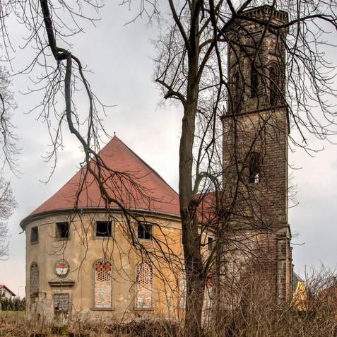 ehemalige evang. Kirche in Giersdorf mit Turm