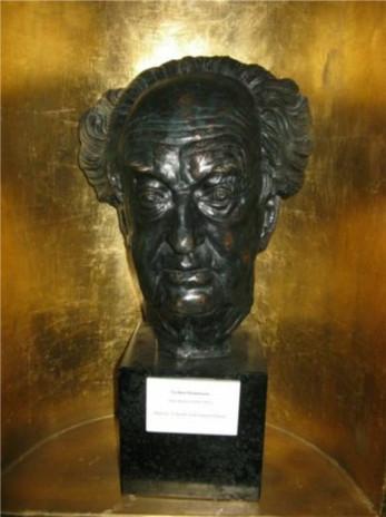 Gerhart Hauptmann-Büste des Künstlers Arno Breker im Haus Wiesenstein.