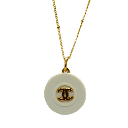 IVORY & GOLD CHANEL BUTTON VINTAGE NECKLACE