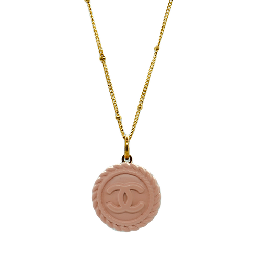 BLUSH CHANEL VINTAGE BUTTON NECKLACE
