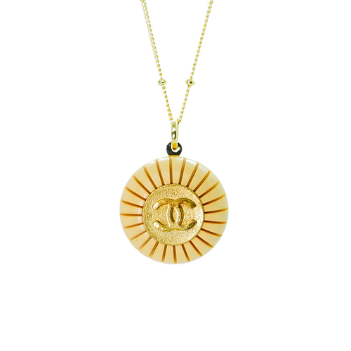 LARGE GOLD & WOOD  CHANEL BUTTON VINTAGE NECKLACE