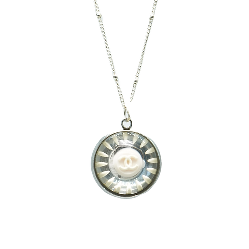 WHITE & PALE PINK TRANSLUCENT RETRO VINTAGE BUTTON NECKLACE