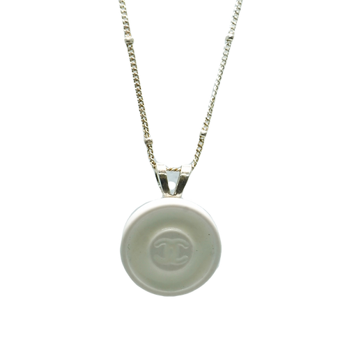 WHITE & LIGHT GREY VINTAGE BUTTON NECKLACE