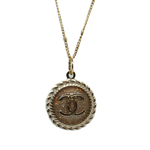 SMALL RADIANT SILVER BUTTON NECKLACE