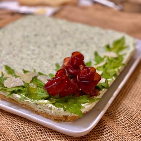 Cheesecake Salata con Rucola, Bresaola e Scaglie di Parmigiano
