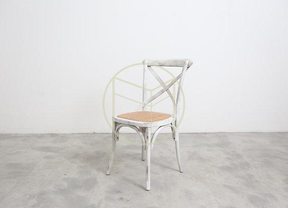 Cadeira Paris em Madeira cor Branca Rústica e assento em rattan natural