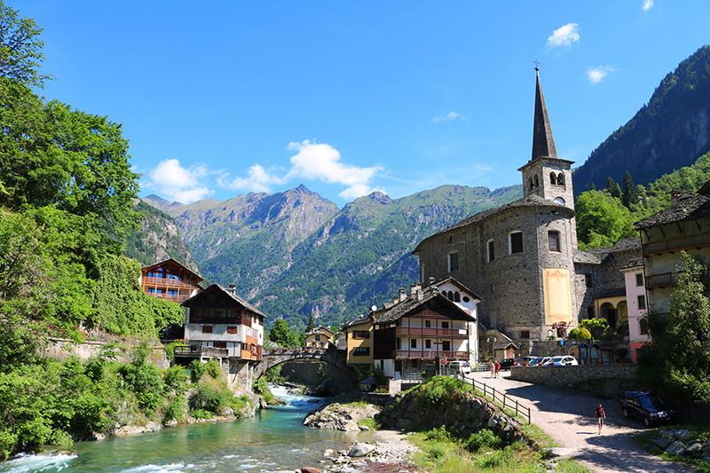 Il caratteristico borgo di Campertogno, in Valsesia