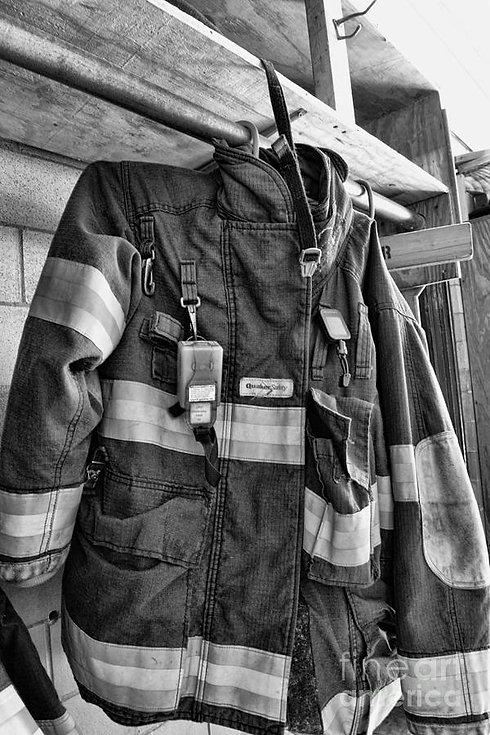 fireman--saftey-jacket-black-and-white-p