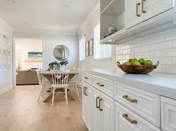 white-kitchen-gold-hardware