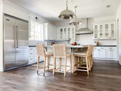 white-coastal-kitchen