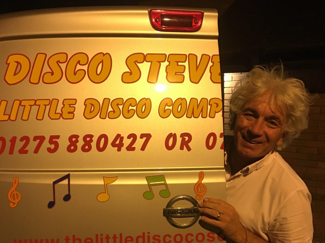 thumbnail_Disco Steve van door.jpg