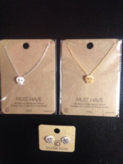 Skull Simple Must Have Necklace
