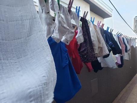 Rotina de limpeza das roupas: quem é mesmo o dono de quem?
