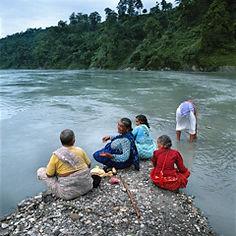 conversation à la confluence - Nepal.jpg