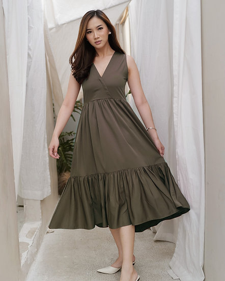 Momoiro Dress