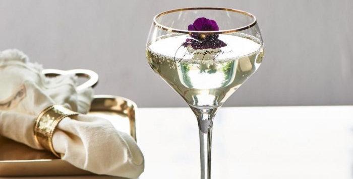 Verre à champagne piscine