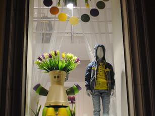 """Секрет №9 """"Дети - цветы жизни"""". Технологии оформления оригинальных витрин."""