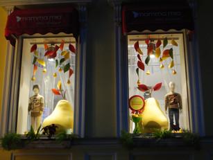 Надо обязательно быть изобретательным!  Оформление витрин в Харькове.