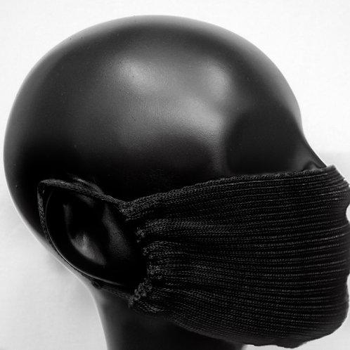 Máscara de tricô preta