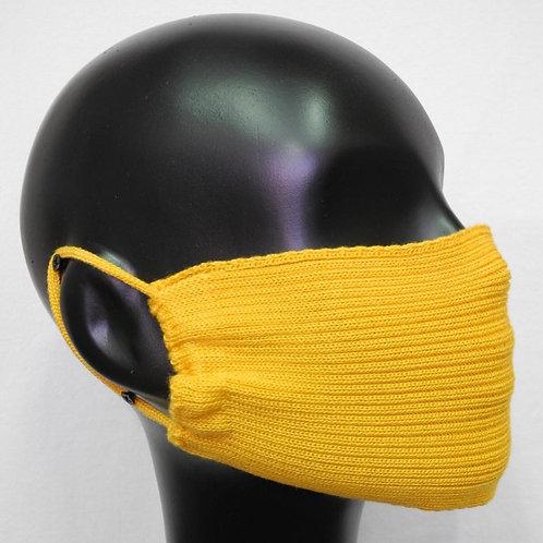 Máscara de tricô amarela