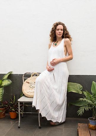 vestido branco frente única